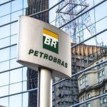 Gasolina sobe 4% nas refinarias, anuncia Petrobras