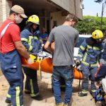 Homem fica ferido após sofrer descarga elétrica no telhado de casa, em Umuarama