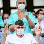 No Brasil, casos de covid-19 caem 19% e mortes diminuem 17%