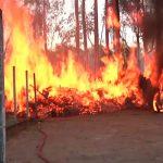 Bombeiros são mobilizados após incêndio atingir casa e carro em Umuarama