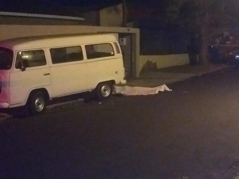 Suspeito se apresenta à polícia, confessa assassinato e é liberado em Umuarama