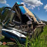 Acidente entre caminhão e ônibus deixa mais de 40 mortos e dezenas de feridos no interior paulista