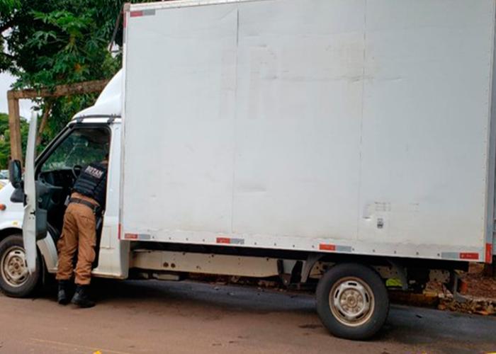 Caminhão carregado com cigarros contrabandeados é apreendido em Cruzeiro do Oeste