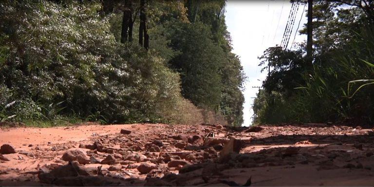 Moradores da Estrada Morada do Sol em Umuarama clamam por pavimentação
