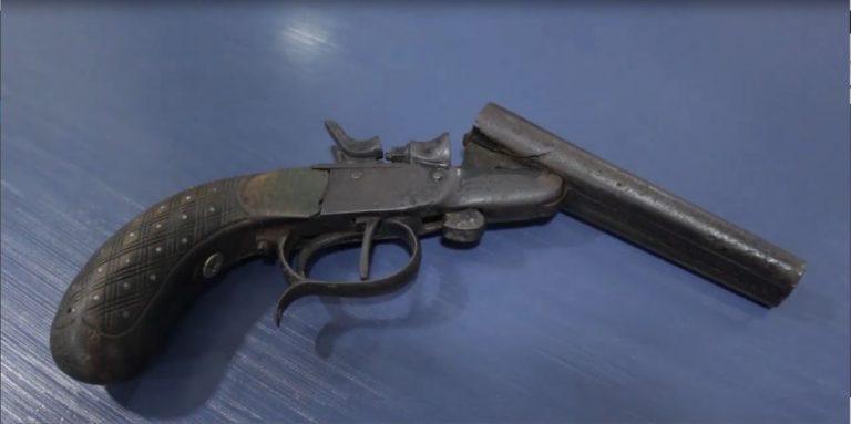 Mulher é presa após ameaçar homem com uma pistola Garrucha em Douradina