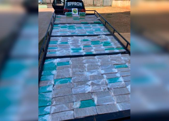 BPFron apreende 245 quilos de maconha no Primeiro de Maio, em Umuarama