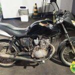 Homem é preso após ser flagrado empurrando motocicleta furtada em Umuarama