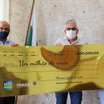 Ganhadores do sorteio de outubro recebem os prêmios do Nota Paraná